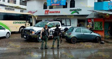 Reportan sujetos sospechosos que merodeaban una papelería en Tantoyuca