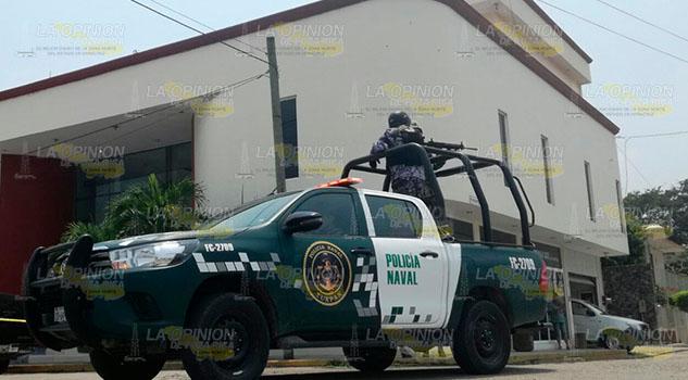 Roban camioneta en céntricas calles de Tuxpan