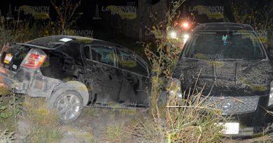 Se accidenta y abandona su vehículo en la vía Atlapexco - Calnali
