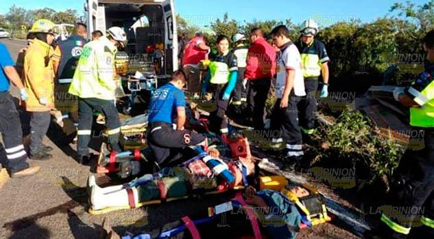 Se accidentan 16 jornaleros oriundos de la Huasteca hidalguense