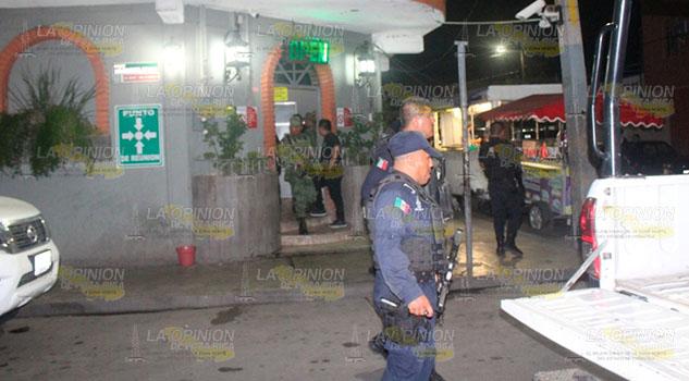 Sorpresivo operativo en bares y cantinas de Poza Rica