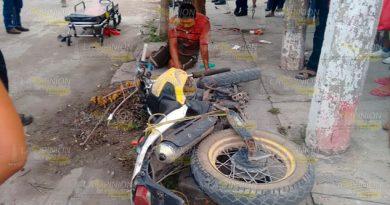 Tres heridos en fuerte accidente de motocicletas en Pánuco