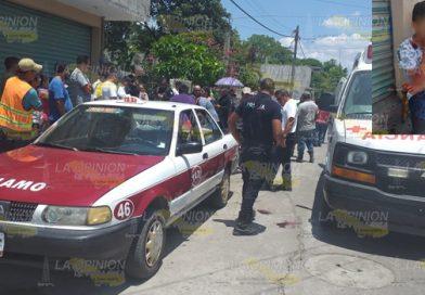 Sangriento choque en Álamo, adolescente se impactó contra taxi