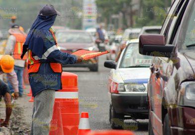 Desquicia el tráfico en la Poza Rica -Coatzintla