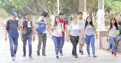 Bienestar brinda ayuda a jóvenes de educación superior en Poza Rica