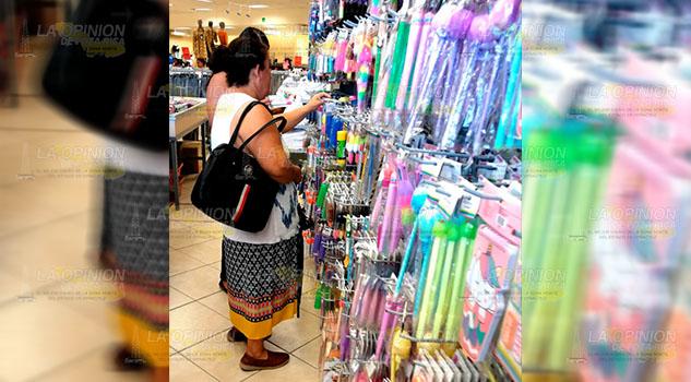 Comercio de Tuxpan sin expectativas por regreso a clases