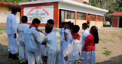 Cuotas escolares desapareceran en planteles de Veracruz