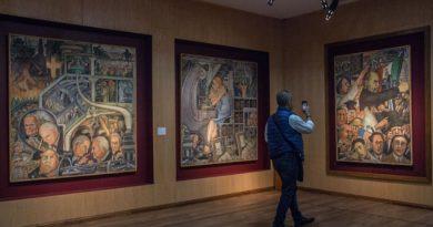 El SNTE exhibe las obras de arte decomisadas a la exlideresa magisterial Elba Esther Gordillo