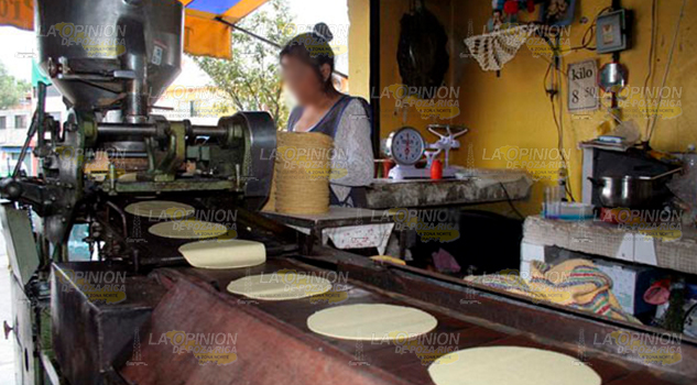 Elevan costo de la tortilla en la sierra de Otontepec