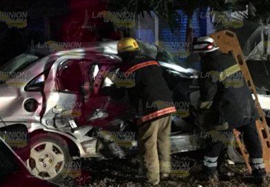 Embiste auto en la carretera Tuxpan-Tamiahua y fallece una mujer