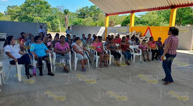 IVM promueve cero tolerancia a violencia contra mujeres en Tihuatlán