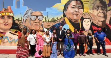 Inauguran mural de mujeres indígenas de Baja California