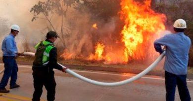Incendios en Bolivia obliga a evacuar a residentes del área
