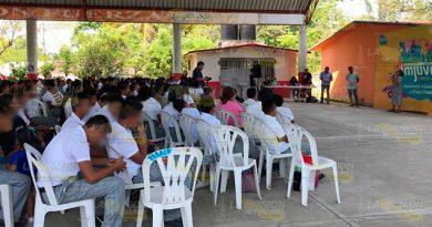 Jóvenes vulnerables a problemas de adiciones en Tihuatlán