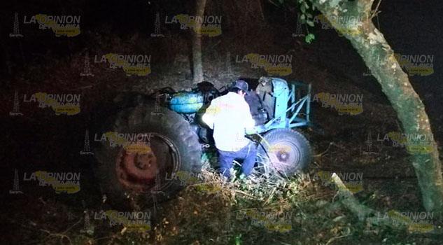 Muere en parcela aplastado por un tractor