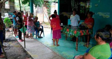 Mujeres de Castillo de Teayo aprenden oficios para mejorar sus ingresos familiares