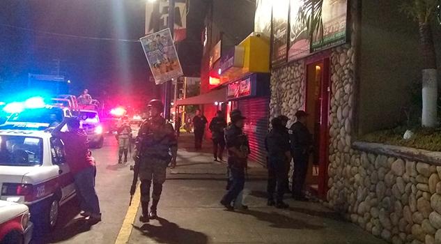 Operativo de cierre en centros nocturnos en la 20 de Noviembre de Poza Rica