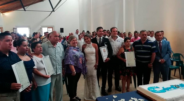 Organiza DIF boda colectiva para más de 50 parejas en Córdoba
