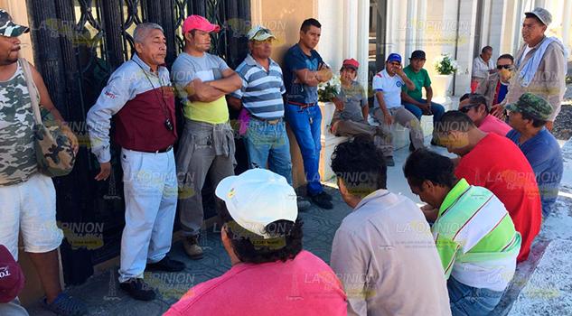 Paran labores en panteón municipal de Poza Rica
