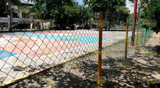 Partido de basquetbol juvenil termina en safarrancho en Álamo