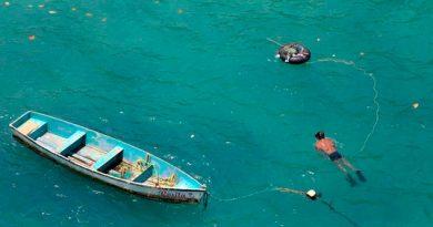 Pescadores furtivos y armados roban ostiones en lagunar de Mandinga