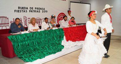 Presentan autoridades de Poza Rica programa de las Festividades Patrias