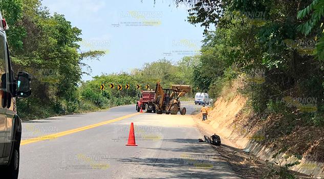 Previenen afectaciones por lluvias en la carretera Tihuatlán - Álamo