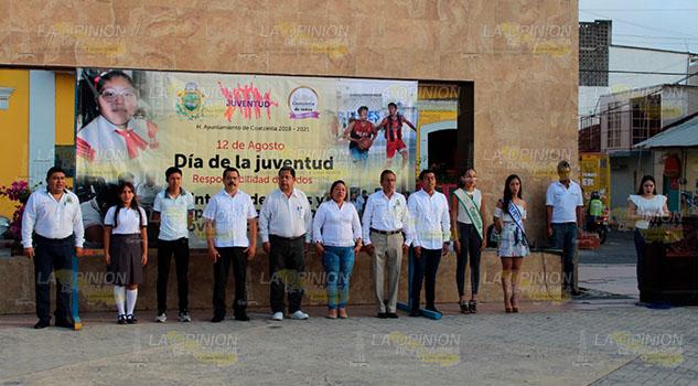 Reconocen autoridades de Coatzintla el papel de los jóvenes