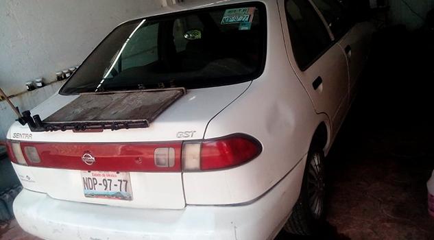 Roban vehículo en la col. 27 de Septiembre de Poza Rica