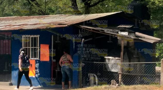 Rosticería a punto de terminar calcinada en Tantoyuca
