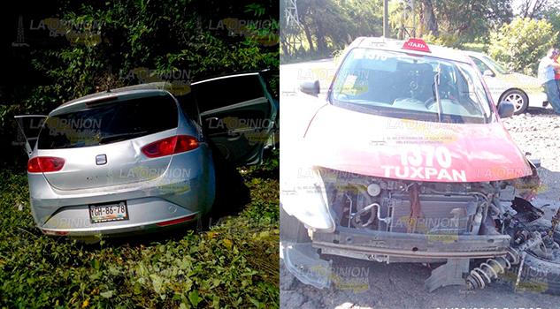 Solo daños materiales deja choque de dos vehículos en la Tuxpan - Tampico