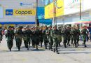 Nutrido desfile en Cerro Azul