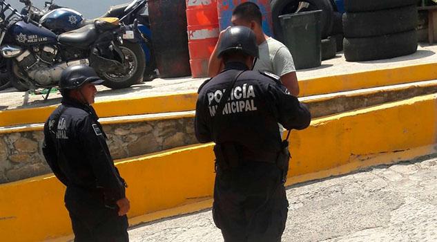 Albañil es arrestado por escandaloso en Huejutla
