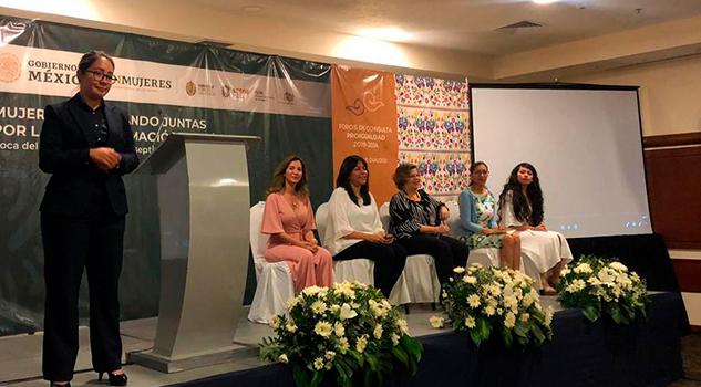 Asiste Ana Miriam Ferráez a Foro PROIGUALDAD Mujeres trabajando juntas