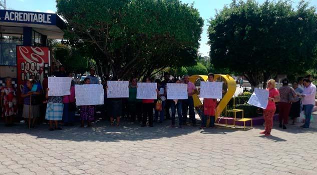 Comerciantes de Cerro Azul podrían tomar la Presidencia
