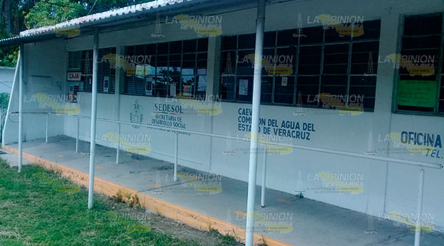Corto circuito deja sin agua a habitantes de Cerro Azul