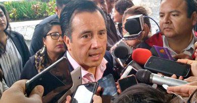 Gobernador de Veracruz va contra Winckler
