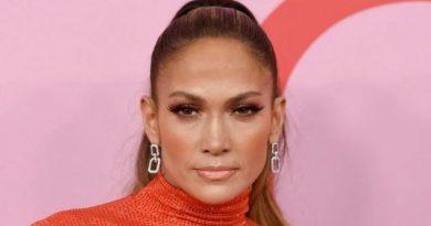 Jennifer López y el doble desaire que recibe de Tom Hanks