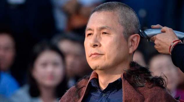 ¿Por qué algunos políticos de Corea del Sur se están afeitando la cabeza?