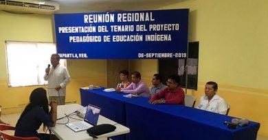 Presentan temario del proyecto de educación indígena en Papantla