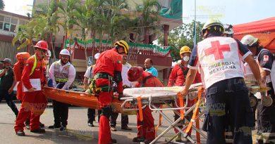 Recuerdan a las víctimas del 85 con Macrosimilacro de sismo en Poza Rica