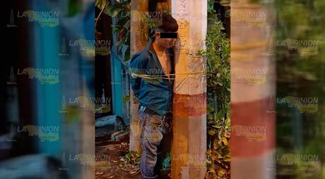 Sujeto es amarrado por considerarlo un peligro en Tamazunchale