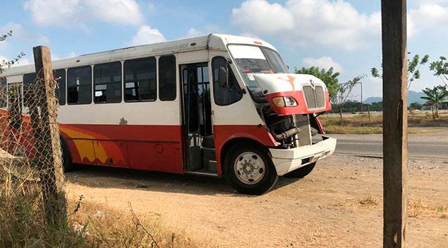 Usuarios solicitan apertura de más líneas de transporte en Tihuatlán