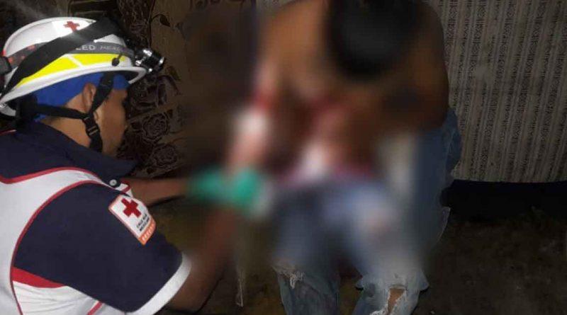 Salvaje agresión a cuchilladas entre cuñados en la colonia El Esfuerzo