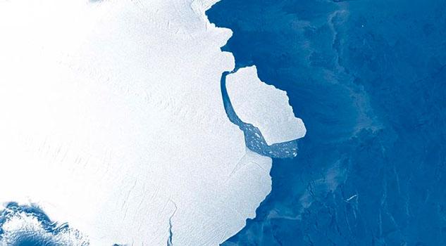 Enorme iceberg más grande que Los Ángeles se desprende de la plataforma antártica