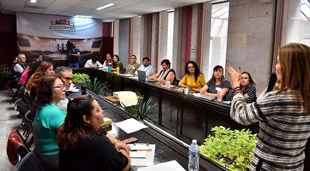 Capacitan a asesoras y asesores sobre igualdad entre mujeres y hombres