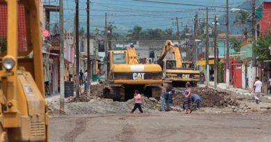 Constructoras foráneas acaparan obras; en riesgo fuentes de empleo