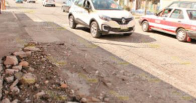 Daña PEMEX calle en Poza Rica tras fuga