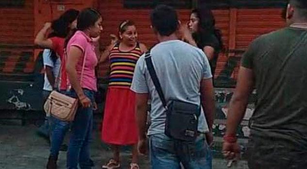 Dos mujeres pelean en plena vía pública de Cerro Azul