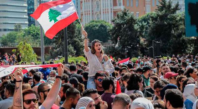 El «impuesto a WhatsApp» desata protestas masivas en las calles de Líbano